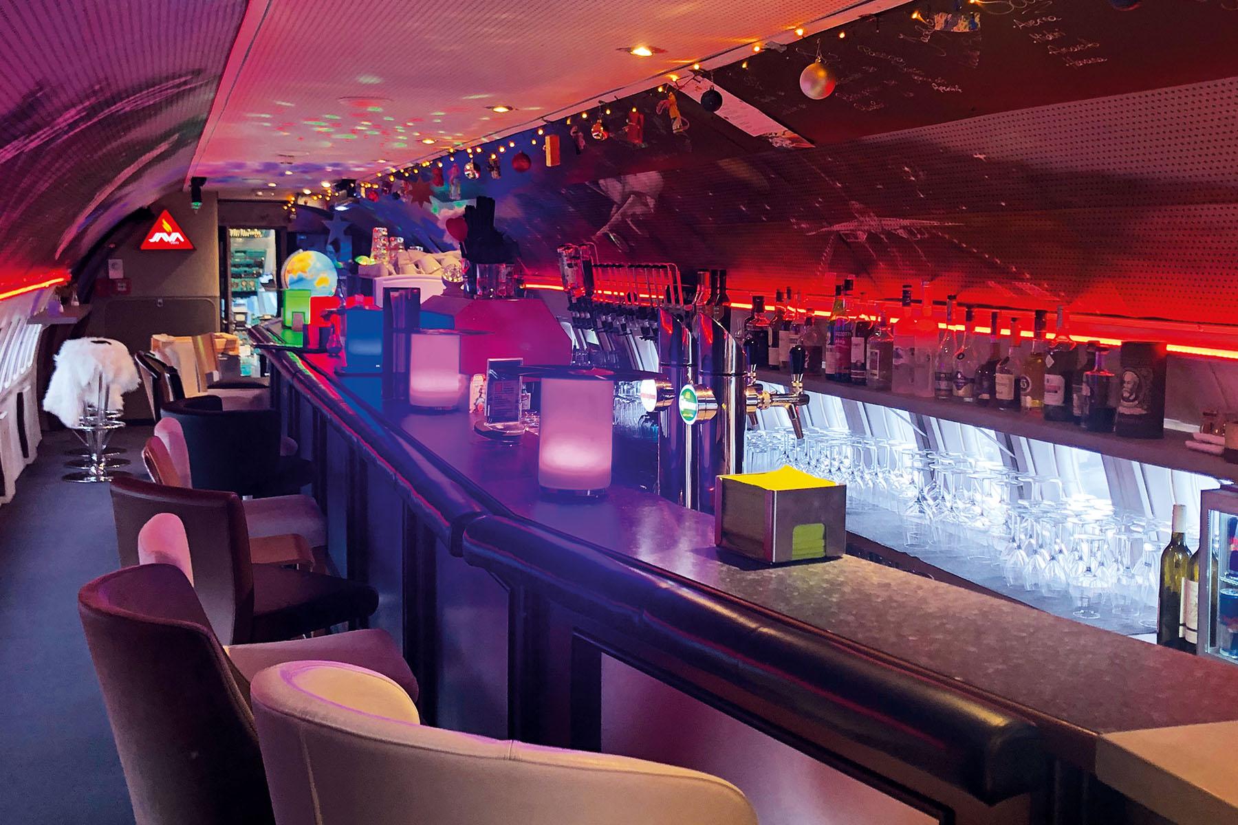 Vorlage_Slider_klein_1800x1200_72dpi_Qual8_0002__0008s_0010_d_a_80er Flieger Bar & Restaurant_Foto NOVAPARK