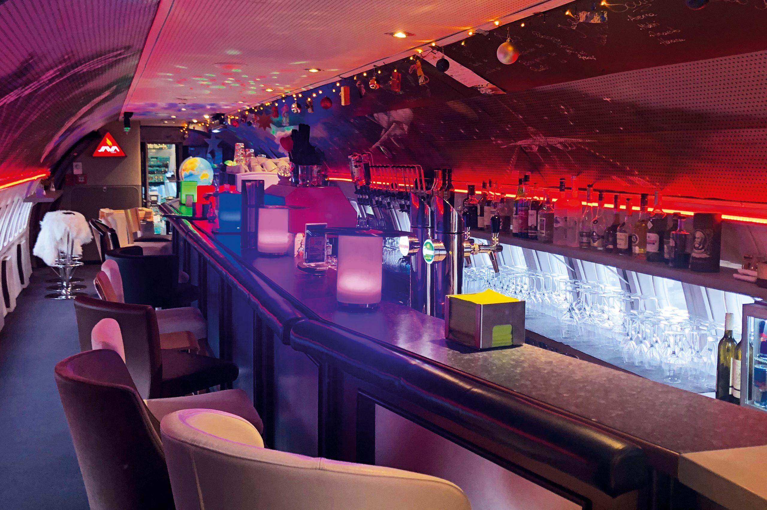 _0008s_0006_d_a_80s Flieger Bar & Restaurant_Foto NOVAPARK_ID098
